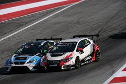 Gianni Morbidelli, Honda Civic TCR, West Coast Racing and Stefano Comini, SEAT Leon, Target Competition