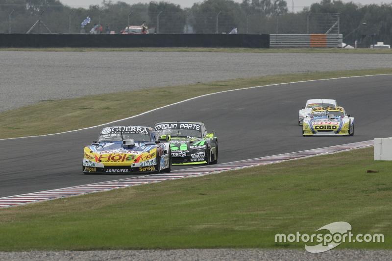 Luis Jose di Palma, Inde car Racing Torino, dan Mauro Giallombardo, Maquin Parts Racing Ford, dan Mauricio Lambiris, Coiro Dole Racing Torino