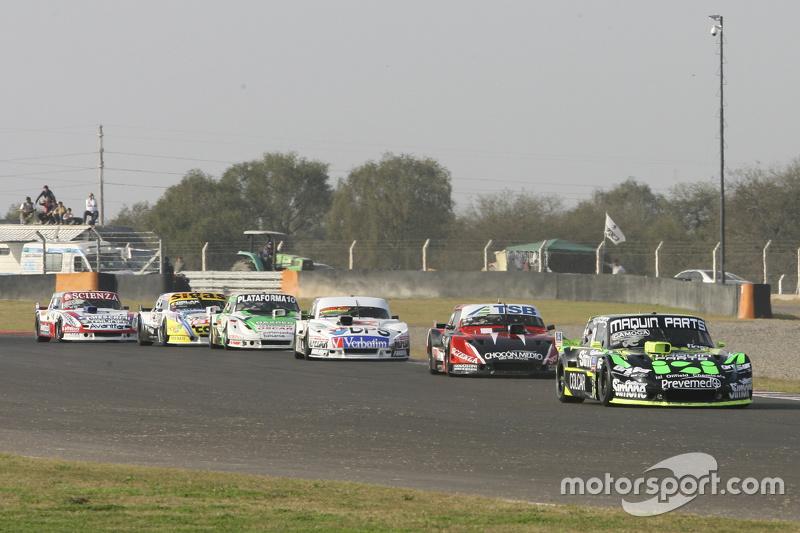 Mauro Giallombardo, Maquin Parts Racing Ford, dan Jose Manuel Urcera, JP Racing Torino, dan Leonel S