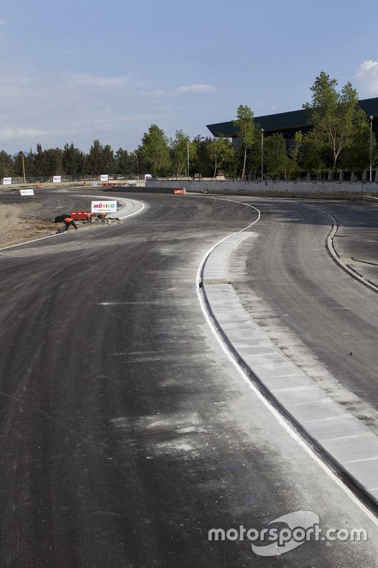 Autódromo Hermanos Rodríguez, saída dos S's