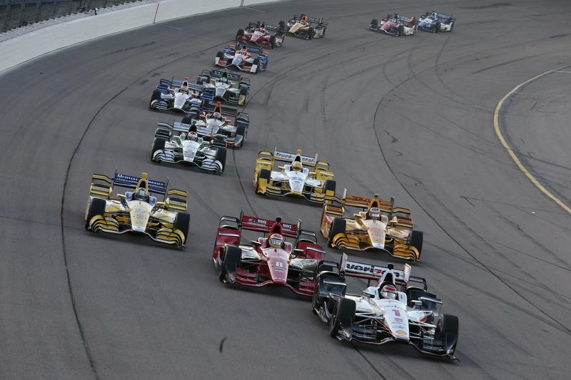 Will Power, Team Penske Chevrolet, dan Sage Karam, Chip Ganassi Racing Chevrolet, dan Marco Andretti