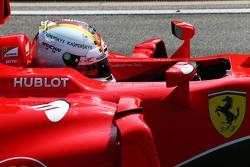 Sebastian Vettel, Ferrari SF15-T with a tribute to Jules Bianchi