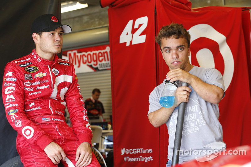 Kyle Larson, Chip Ganassi Racing Chevrolet, dan Rico Abreu
