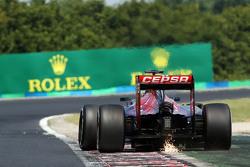 Max Verstappen, Scuderia Toro Rosso STR10 sends sparks flying