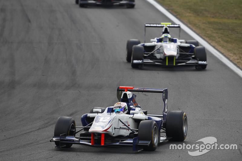 Matthew Parry, Koiranen GP memimpin Jimmy Eriksson, Koiranen GP