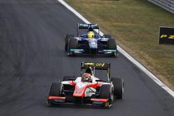 Daniel De Jong, MP Motorsport leads Julian Leal, Carlin
