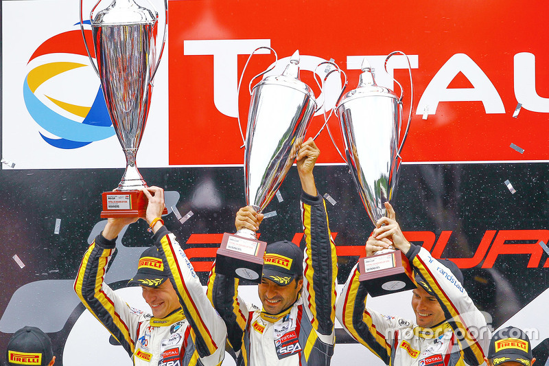 Podium: race winners Markus Palttala, Nicky Catsburg, Lucas Luhr, Marc VDS Racing Team