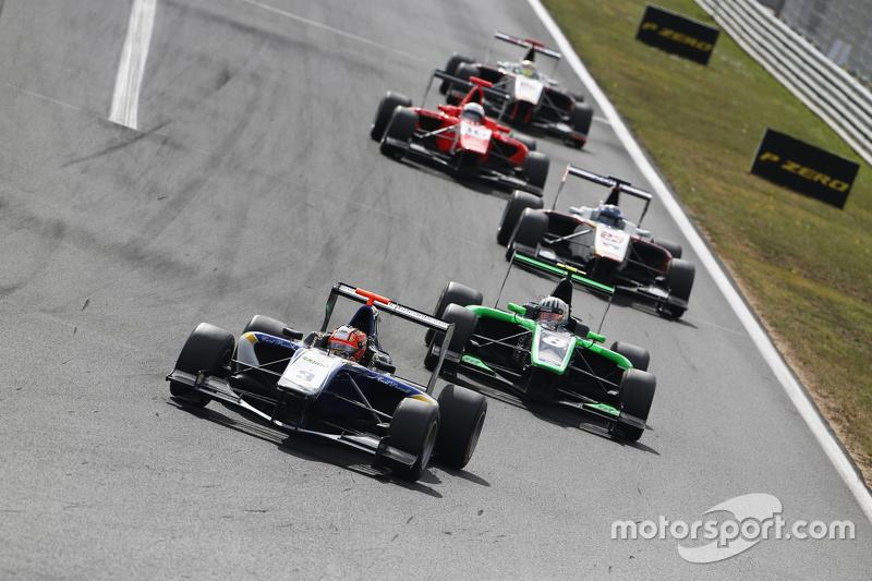 Mitchell Gilbert, Carlin memimpin Alex Fontana, Status Grand Prix