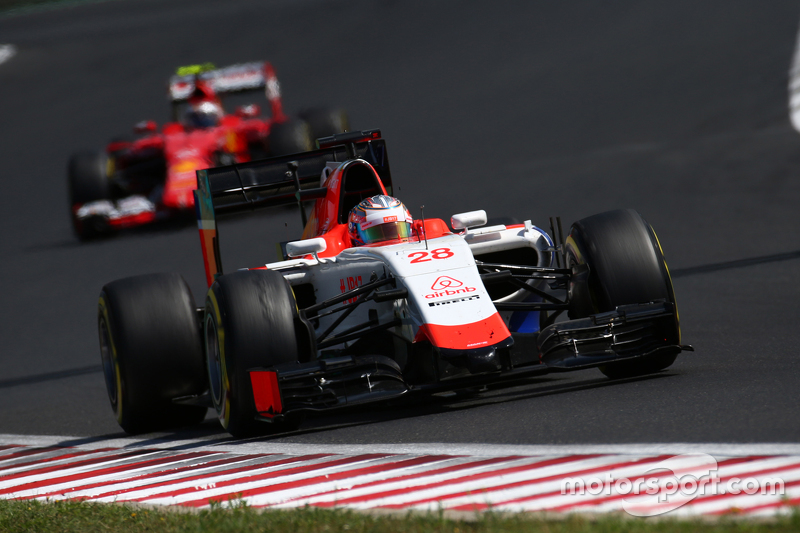 Will Stevens, Manor F1 Team devant Roberto Merhi, Manor F1 Team