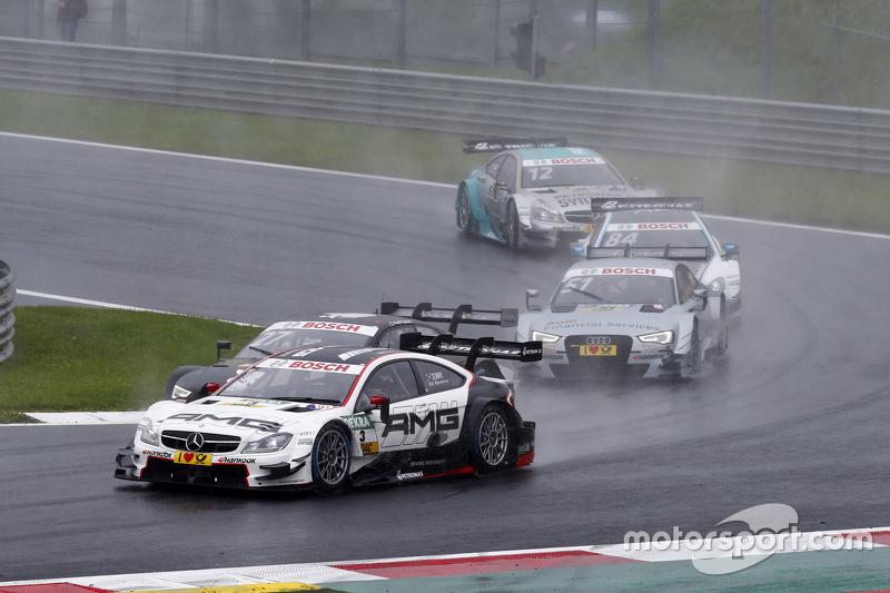 Пол ді Реста, HWA AG Mercedes-AMG C63 DTM лідирує  Ніко Мюллер, Audi Sport Team Rosberg Audi RS 5 DTM