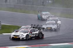 Paul di Resta, HWA AG Mercedes-AMG C63 DTM memimpin Nico Müller, Audi Sport Team Rosberg Audi RS 5 DTM
