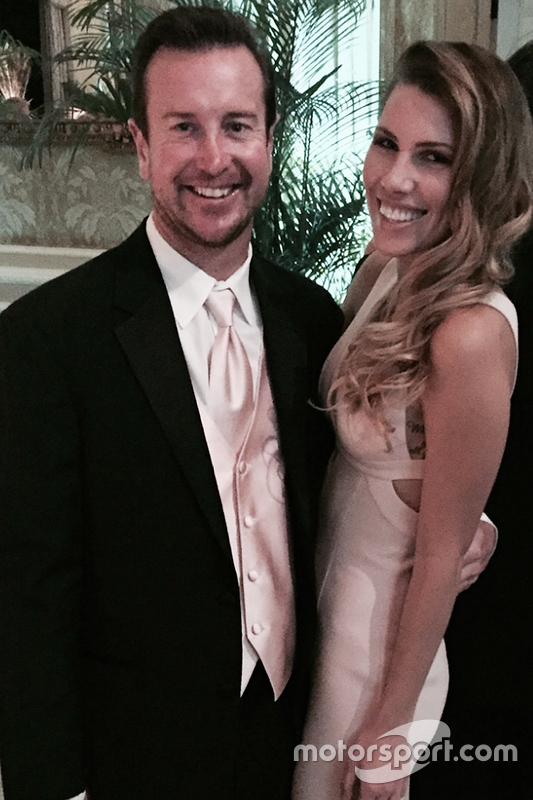 Kurt Busch bersama Ashley Van Metre