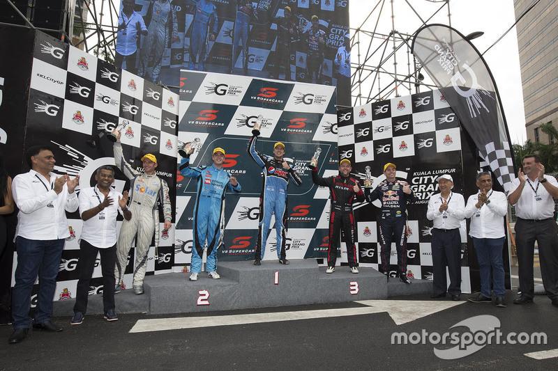 Podium: winner Chaz Mostert, Prodrive Racing Australia Ford. second place Scott McLaughlin, Garry Ro