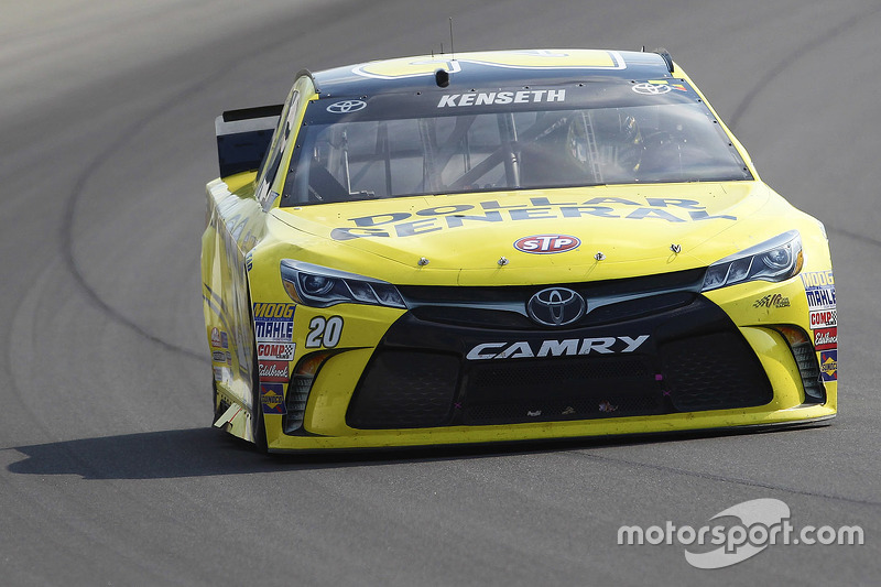 Метт Кенсет, Joe Gibbs Racing Toyota running з a flared out side