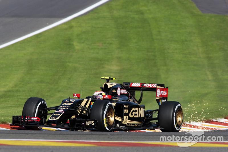 Pastor Maldonado, Lotus F1 E23 sends sparks flying