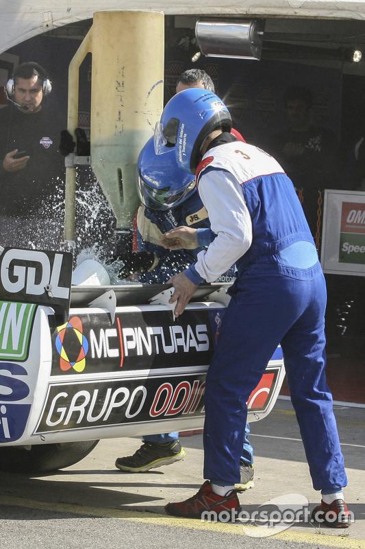 First time refueling in TC Facundo Ardusso, Trotta Competicion Dodge