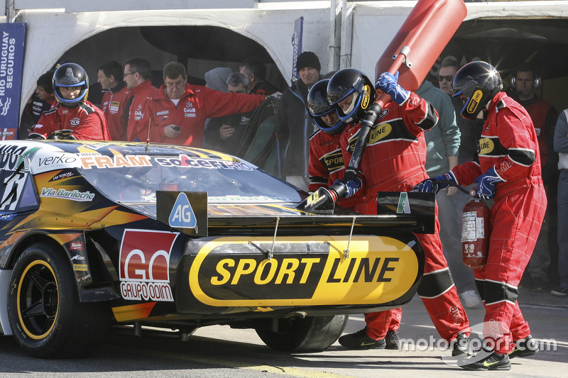 First time refueling in TC Leonel Pernia, Las Toscas Racing Chevrolet