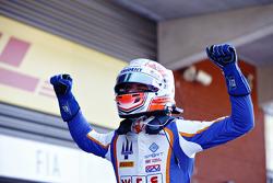 Winner Luca Ghiotto, Trident