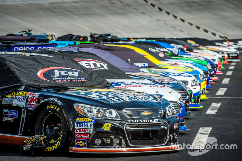Cars Lined Up For The Race At Bristol Ii