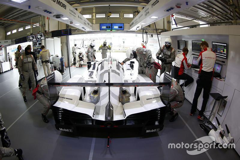 Porsche Team area