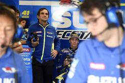 Davide Brivio y Aleix Espargaro, Team Suzuki MotoGP