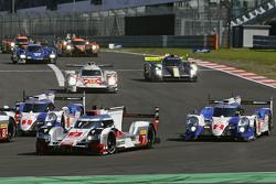#7 Audi Sport Team Joest Audi R18 e-tron quattro: Marcel Fässler, Andre Lotterer, Benoit Tréluyer an