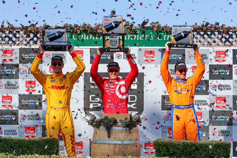 Podium: Race winner Scott Dixon, Chip Ganassi Racing Chevrolet, second place Ryan Hunter-Reay, Andre