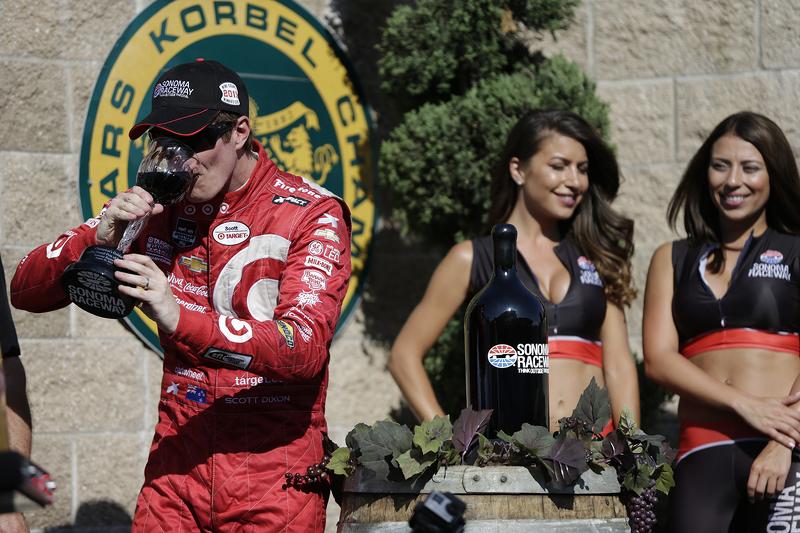 Race winner and series champion Scott Dixon, Chip Ganassi Racing Chevrolet