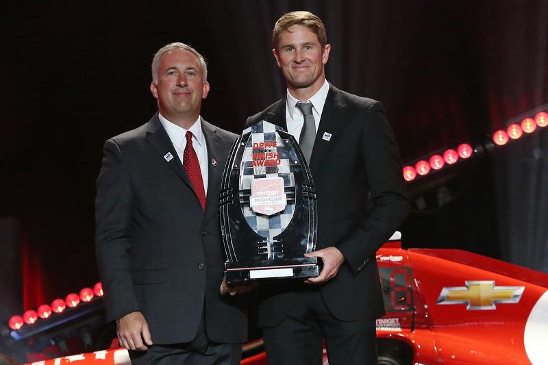 Ryan Hunter-Reay, Andretti Autosport Honda receives the Drive to the Finish Award