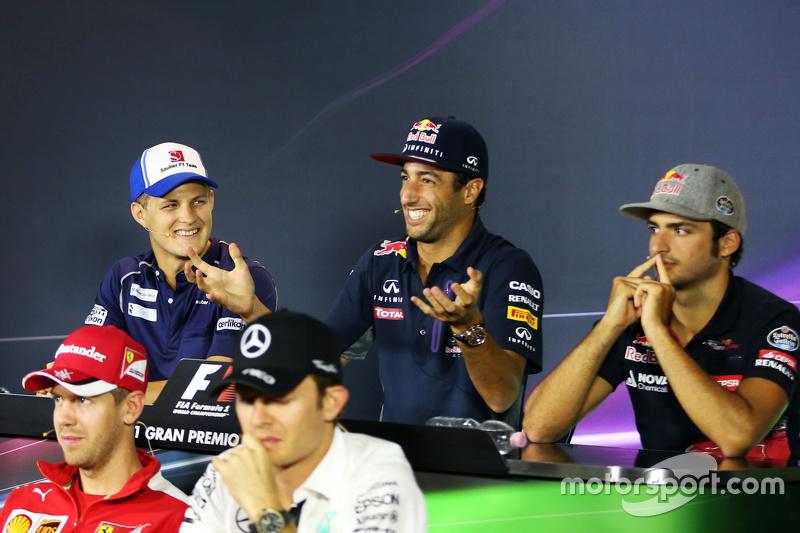 Маркус Ерікссон, Sauber F1 Team; Даніель Ріккіардо, Red Bull Racing; Карлос Сайнс мол., Scuderia Toro Rosso, Себастьян Феттель, Ferrari, Ніко Росберг, Mercedes AMG F1