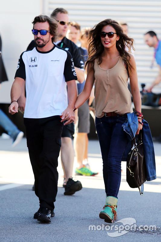 Fernando Alonso, McLaren en vriendin Lara Alvarez