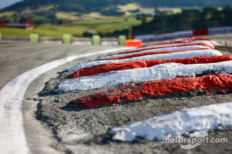 Rumble strips at Loheac