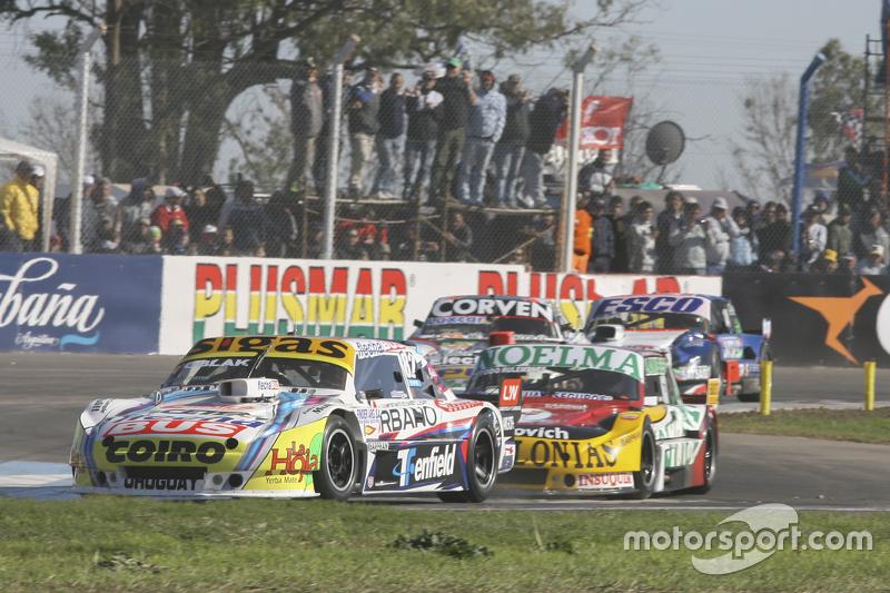 Маурісіо Ламбіріс, Coiro Dole Racing Torino та Просперо Бонеллі, Bonelli Competicion Ford та Хуан Маркос Анджеліни, UR Racing Dodge