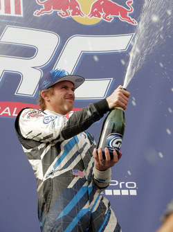 Podium: ganador, Scott Speed, Andretti Autosport Volkswagen