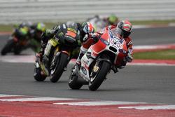Andrea Dovizioso, Ducati Team, und Bradley Smith, Tech 3 Yamaha