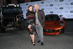 Hannah Herzsprung und Jürgen Vogel Schauspieler Naomi Harris und Dave Bautista bei der Präsentation der Fahrzeuge für den neuen James-Bond-Film Spectre