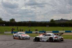 #888 Triple Eight Racing BMW Z4 GT3: Lee Mowle, Joe Osborne ditabrak