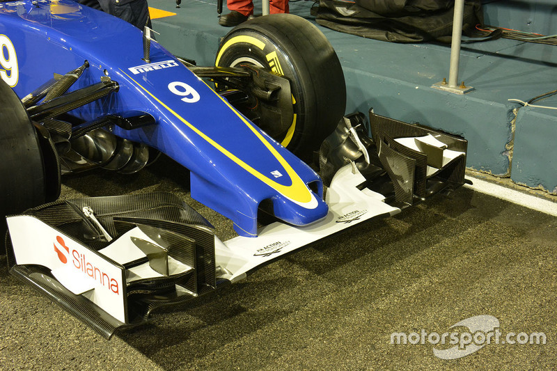 Asa dianteira da Sauber