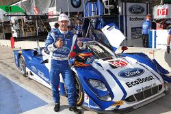 P gandor de la pole #01 Chip Ganassi Racing Ford/Riley: Scott Pruett, Joey Hand