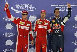 Polezitter Sebastian Vettel, Ferrari, tweede Daniel Ricciardo, Red Bull Racing, derde Kimi Raikkonen, Ferrari