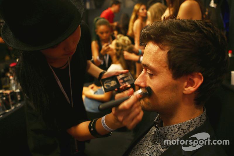 Jolyon Palmer, Lotus F1 Team, Test- und Ersatzfahrer, bei der Modenschau Amber Lounge