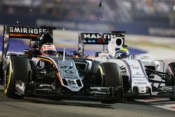 Nico Hulkenberg, Sahara Force India F1 VJM08 y Felipe Massa, Williams FW37 chocan en la carrera