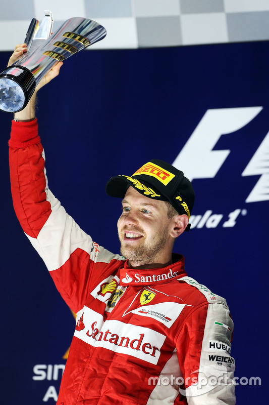 Sebastian Vettel, Ferrari viert op het podium