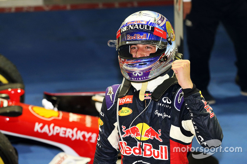 Daniel Ricciardo, Red Bull Racing, feiert Platz zwei im Parc Fermé
