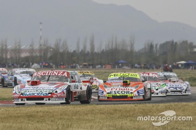 Матіас Халаф, Catalan Magni Motorsport Ford та Джонатан Кастеллано, Castellano Power Team Dodge та Хуан Пабло Джанніні, JPG Racing Ford