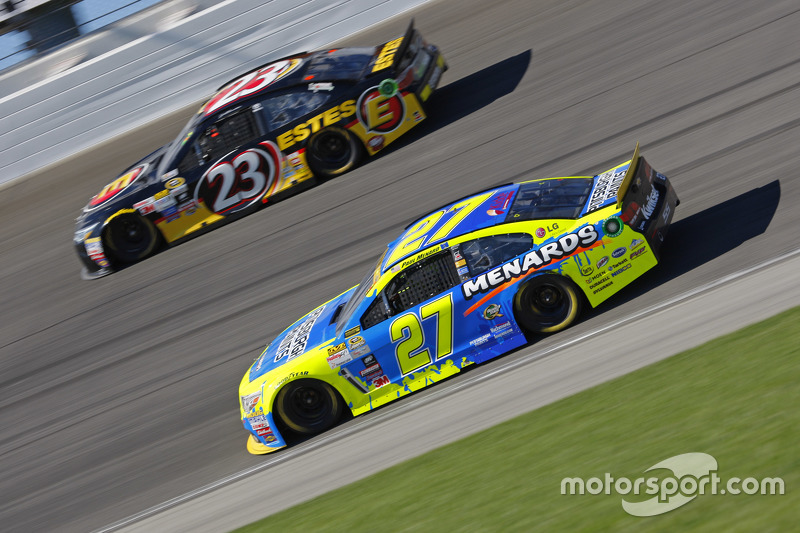 Paul Menard, Richard Childress Racing Chevrolet and Jeb Burton, BK Racing Toyota