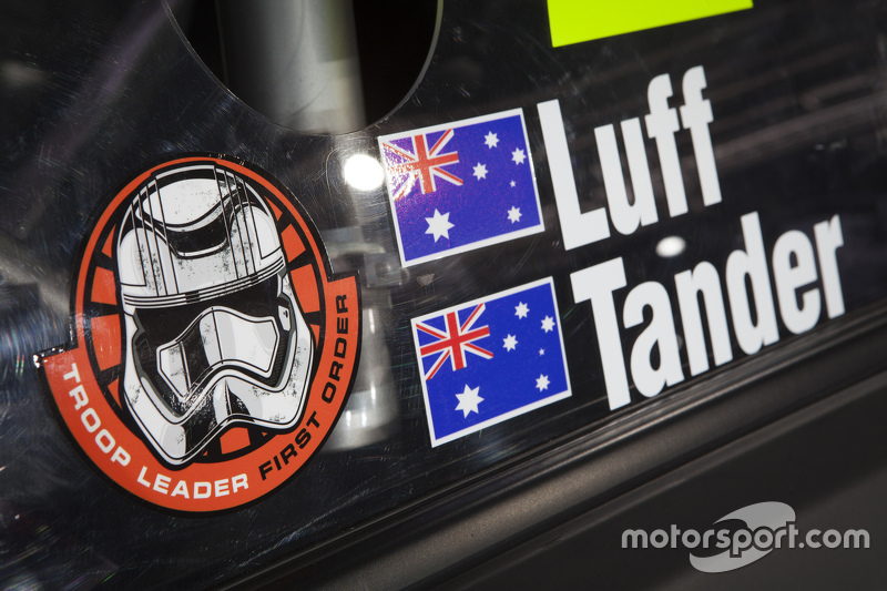 (V8 SUPERCARS) Star Wars en el auto del equipo Holden Racing