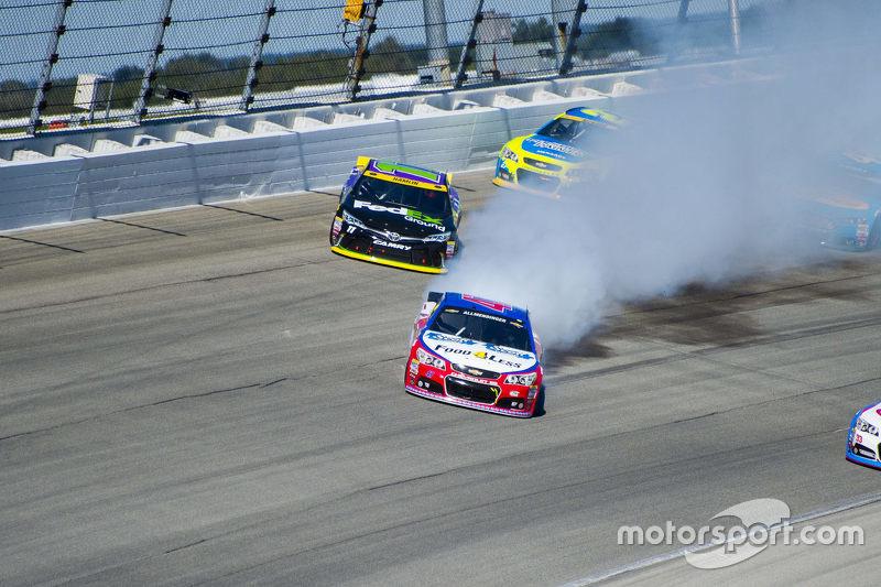 A.J. Allmendinger, JTG Daugherty Racing Chevrolet; Denny Hamlin, Joe Gibbs Racing Toyota