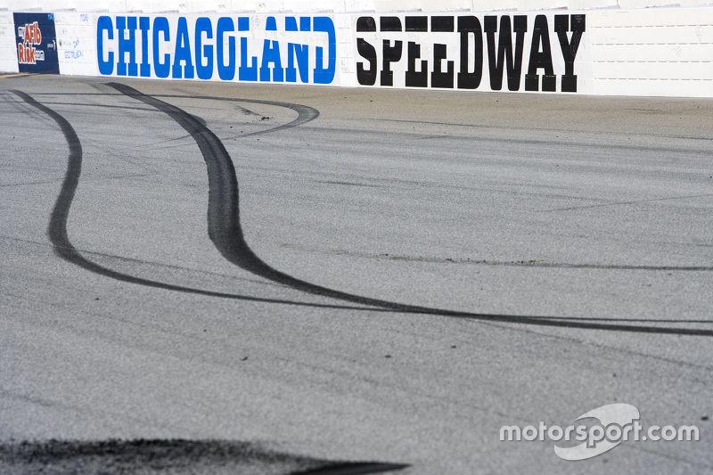 Burnout-Spuren von 1. Denny Hamlin, Joe Gibbs Racing Toyota
