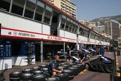 WilliamsF1 Team, pit garages